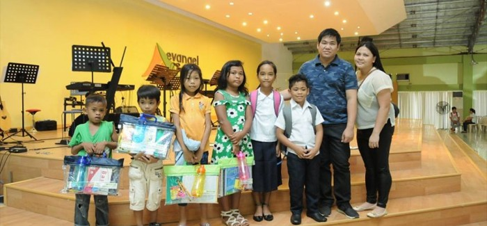 Eduaids Giving to Indigent Community Kids