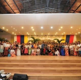 A Resounding Filipiniana Bang